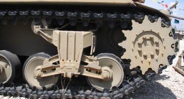Vehículos blindados de transporte de personal ¿Orugas o ruedas?