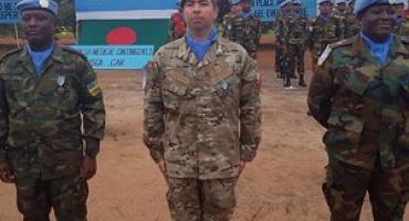 """Oficial de la Armada recibe reconocimiento """"Medal Parade"""" por misión en República Centroafricana"""