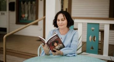Las mujeres de la guerra. Entrevista a Andrea Amosson