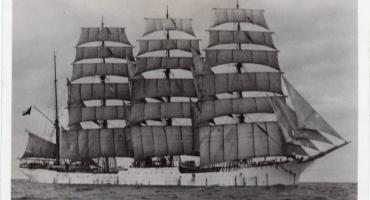 El incendio del buque escuela Lautaro