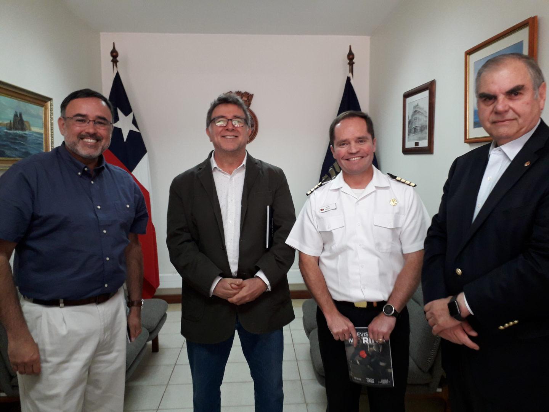 CA Rodrigo Vega, profesor , CN Jaime Muñoz y CA Rodolfo Soria-Galvarro
